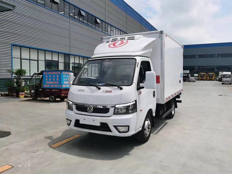 国六东风途逸3.7米冷藏车(柴油版)